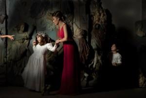 """Obra de Helena Segura-Torrella en la exposición """"Vínculos"""" en la Galería Moret Art en Coruña"""
