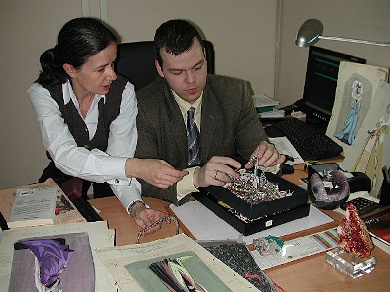 Consuelo y David Durán trabajando en la sala, 2005. Foto: Durán Arte y Subastas.