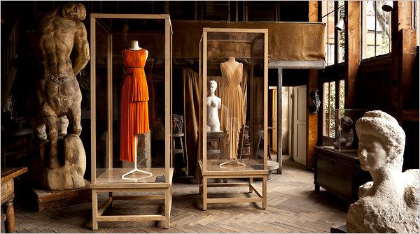Creaciones de Madame Grès en el Museo Bourdelle de París. La exposición fue comisariada por Olivier Saillard (a.2011)