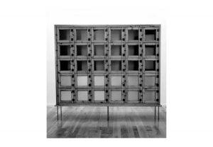 Susana Solano, Mueble de múltiples usos, 1997-1998