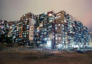 Ciudad amurallada de Kowloon. Hong Kong. (Extraída de Yorokobu, 2014).